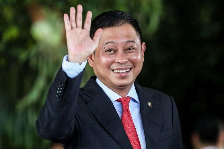 Menteri ESDM, Ignasius Jonan tiba sebelum acara pelantikan Presiden dan Wakil Presiden di Kompleks Parlemen, Senayan, Jakarta, Minggu (20/10/2019) | (Foto: KOMPAS.com/GARRY LOTULUNG)