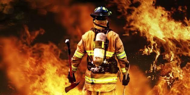 Ilustrasi pemadam kebakaran (sumber : kataindonesia.com)