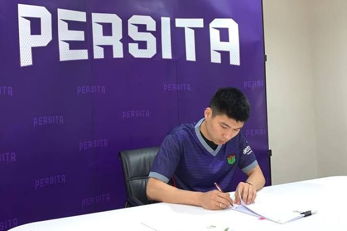 Tamirlan Kozubaev meneken kontrak dengan Persita, Rabu (15/1/2020).(kompas.com)