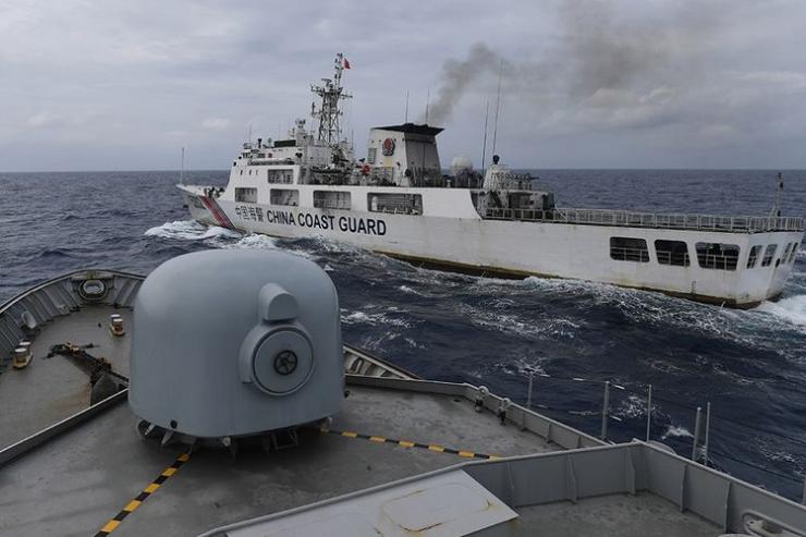 Masuknya kapal asing di perairan Natuna merupakan persoalan serius. (foto: Kompas.com)