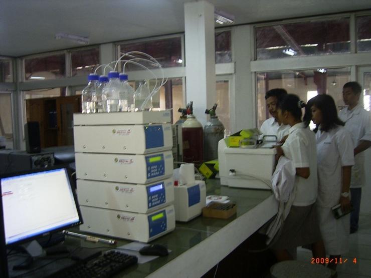 Instrumen Analisis Kimia (Foto Dokumen Hensa)