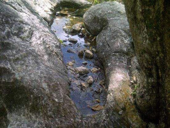Bekas kaki Legenda Moa Hitu di Mnela Puilin, Manufui, Amanatun Selatan | Dokumen akun Facebook Amanatun.com