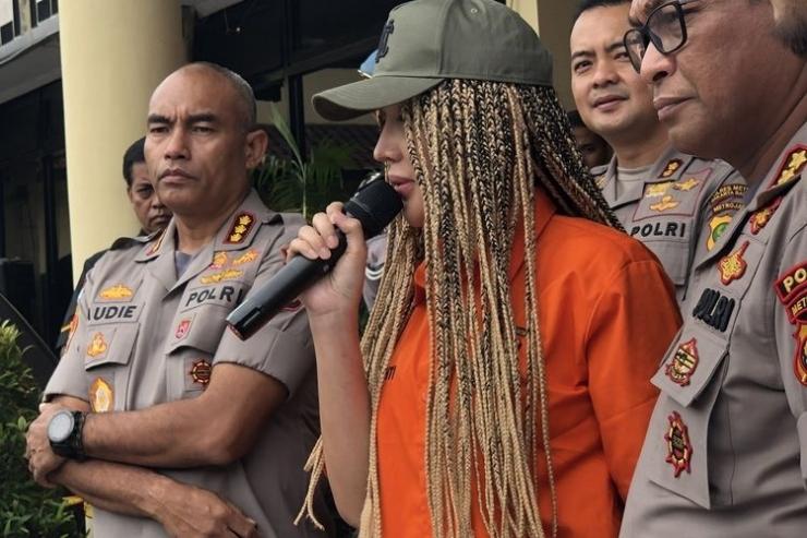 Lucinta Luna saat dalam jumpa pers di Polres Jakarta Barat, Kamis (13/2/2020). (KOMPAS.com/Revi C Rantung)