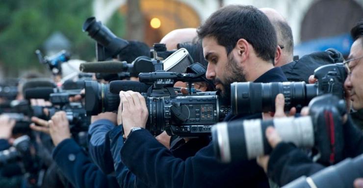 Jurnalis mengerjakan tugas mereka (cr: unesco)