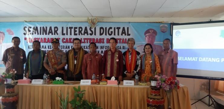 Diwakili Sekda Kabupaten Malaka Barat dan Jajarannya, Acara Seminar Literasi Digital di SMAN 1 Besikama Dibuka - Dokumentasi Panitia
