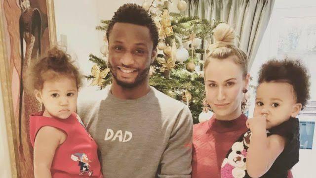 Obi Mikel dan keluarga kecilnya. | Reportinginfo.com