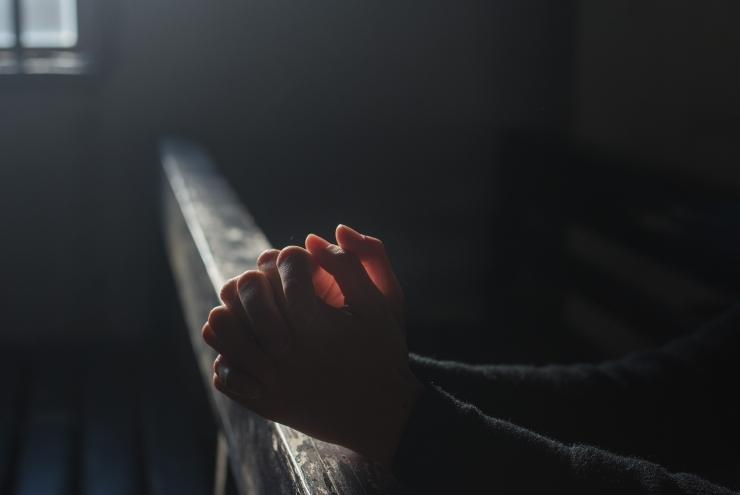 Ilustrasi berdoa| Sumber: Pixabay/Himsan