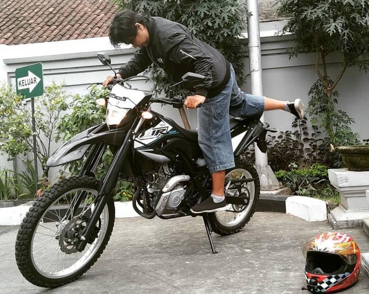 Test Ride WR155R
