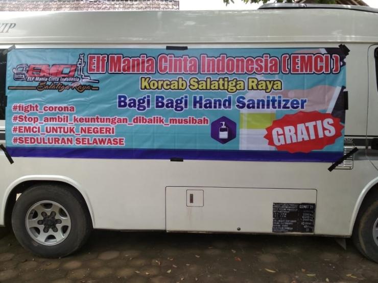 Foto Momen Pembagian Hand Sanitizer Gratis Group EMCI Salatiga Raya Bulan Maret Lalu: Diambil dari Group WA EMCI Salatiga Raya