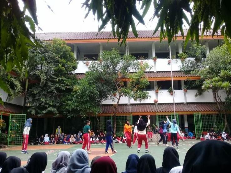 Classmeeting Bola basket yang dilakukan oleh siswi SMK N 50 Jakarta, dokkpri