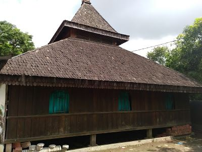 Masjid Darussajidin tampak dari samping (Dokumen Didno)