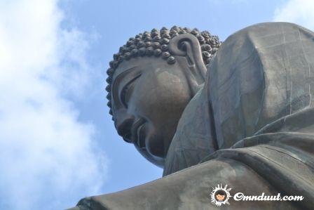 The Big Buddha di Hongkong. Sumber omnduut.com