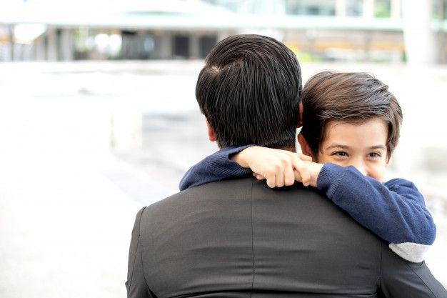 Orangtua jangan gengsi minta maaf duluan sama anak. Sumber freepik.com