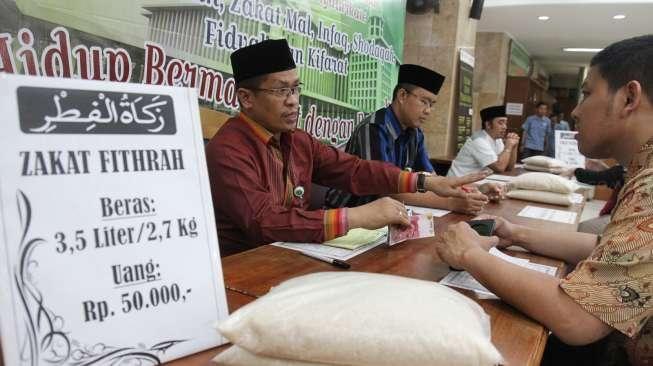 Pembayaran zakat fitrah (ayosemarang.com)