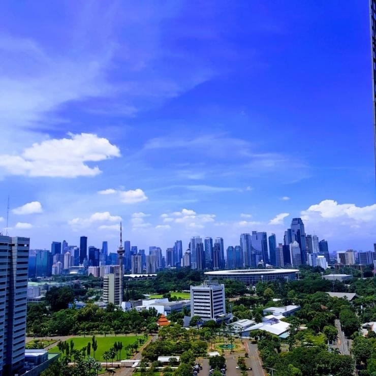 Langit Bersih di Jakarta. Foto: Andreas Harsono (credit: mongabay.co.id)