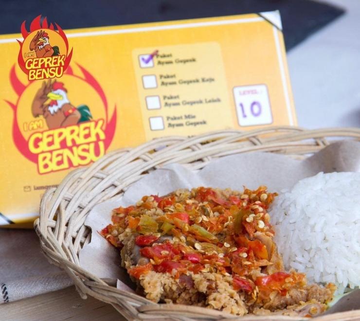 Ayam geprek bensu (Gambar dari qraved.com)