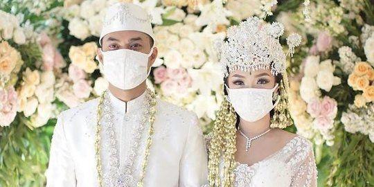Foto : Pernikahan di tengah pandemi virus corona 2020 | Sumber: Kompas.com