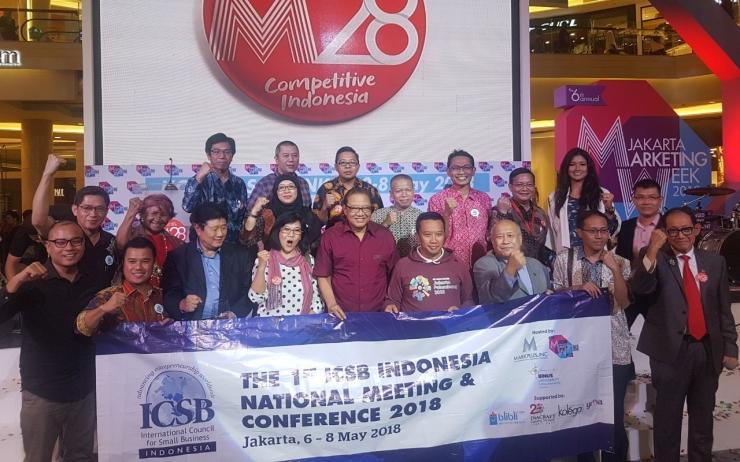 Foto: Pengurus ICSB Indonesia dan kordinator daerah di Jakarta tahun 2018 Bersama Bapak Hermawan Kartajaya, bersama Penulis Andi Nur Bau Massepe