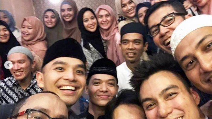 Para Ustadz dan Artis-artis Hijrah yang Berbahagia