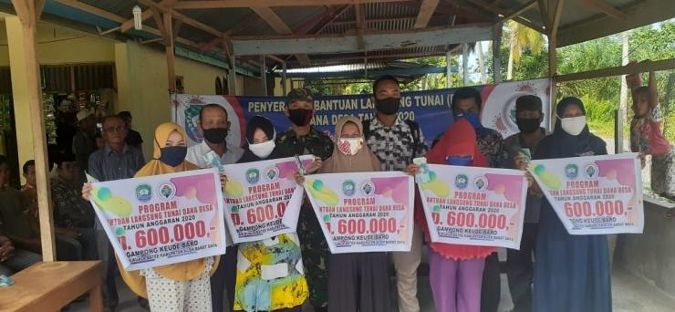 DokPri : Photo bersama dengan masyarakat penerima Manfaat