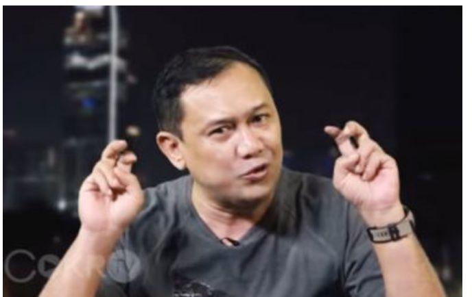 Denny Siregar, penulis dan pegiat sosial media - Sumber Foto: https:jambiekspres.co.id