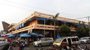 (Pasar Pematangsiantar yang masih ramai pengunjung di tengah Pandemi Covid-19. Dokpri)