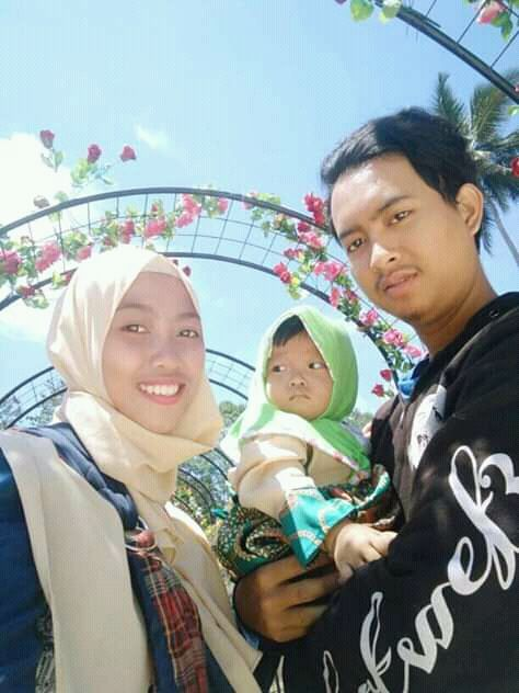 Foto keluarga Wibi dan Nurul (dokpri)