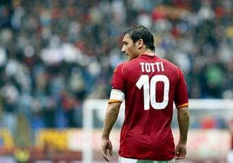 Francesco Totti, simbol one man one club terakhir? (Sumber : www.essentiallysports.com)