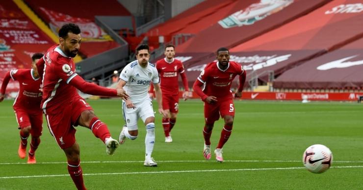 Liverpool susah payah mengalahkan Leeds United 4-33 di Anfield pada laga perdana Liga Inggris 2020/21 tadi malam. Penyerang asal Mesir, Mohamed Salah menjadi 'pahlawan' bagi Liverpool dengan mencetak hat-trick tiga gol ke gawang Leeds./Foto: https://bleacherreport.com/