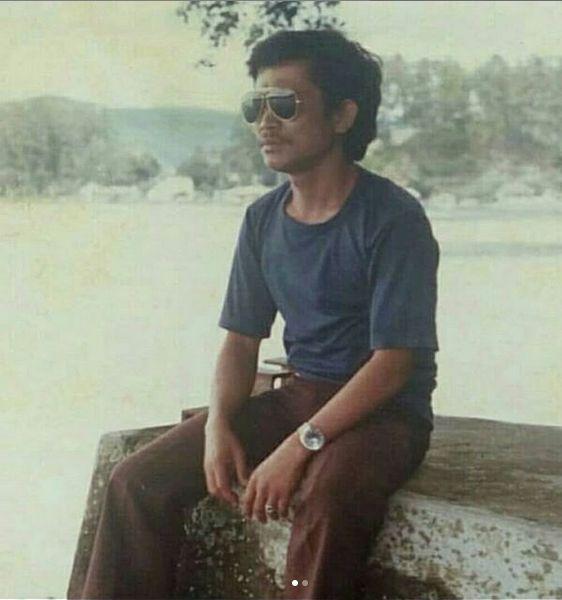 Posman Sirait di tepi Danau Toba Juli 1985 | dokpri