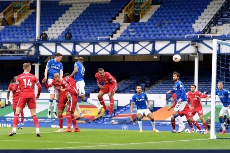Duel Everton vs Liverpool (17/10) di Goodison Park berakhir 2-2. Gambar: Twitter/Everton