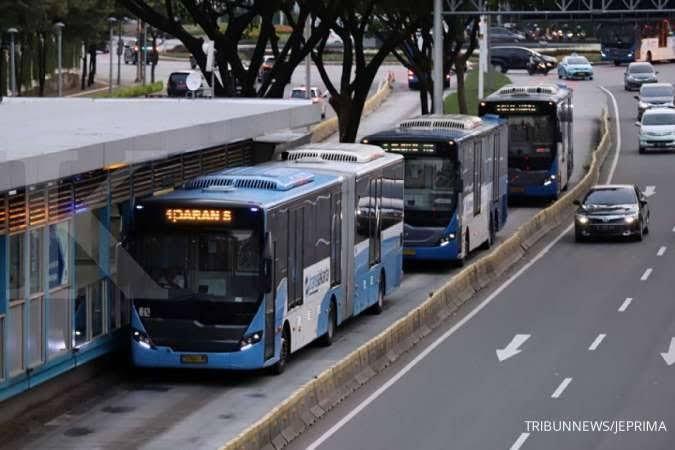 Jakarta mendapat penghargaan Sustainable Transport Award (regional.kontan.co.id)