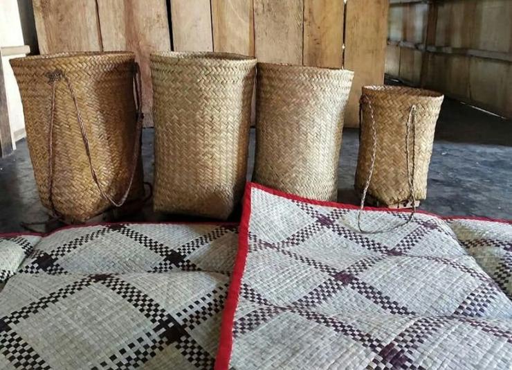 Roto adalah produk kerajinan tangan sejenis keranjang dari bambu(Kompasianer/GUIDO REBA)