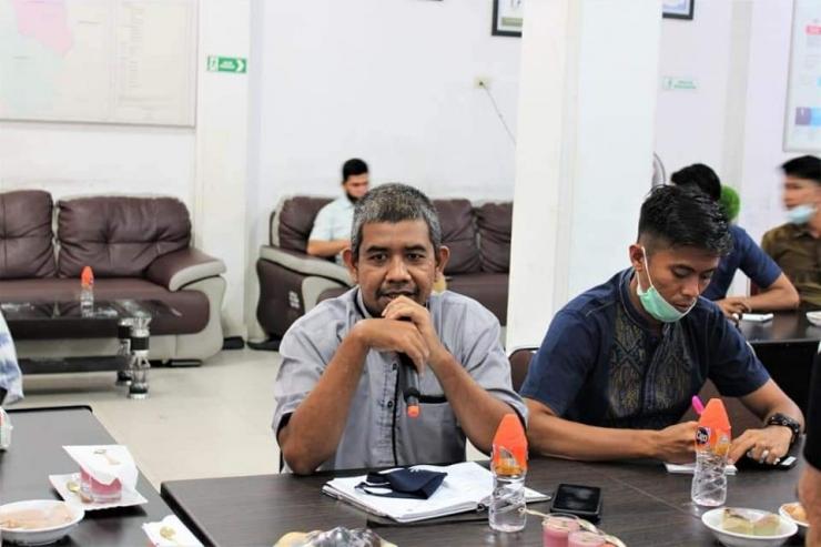Masrur,MA Kordiv Hukum KIP Pidie Jaya. https://www.facebook.com/masrur.salamuddin.5