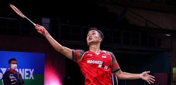 Tunggal putra andalan Indonesia, Anthony Sinisuka Ginting belum tampil maksimal di hari pertama Thailand Open, Selasa (12/1) kemarin. Meski lolos ke babak berikutnya, Ginting dipaksa bermain tiga game saat melawan pemain Korea/Foto: Badmintonindonesia.org