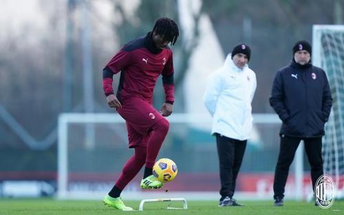 Soualiho Meite, rekrutan anyar AC Milan dari Torino. Sumber : acmilan.com via bola.okezone.com