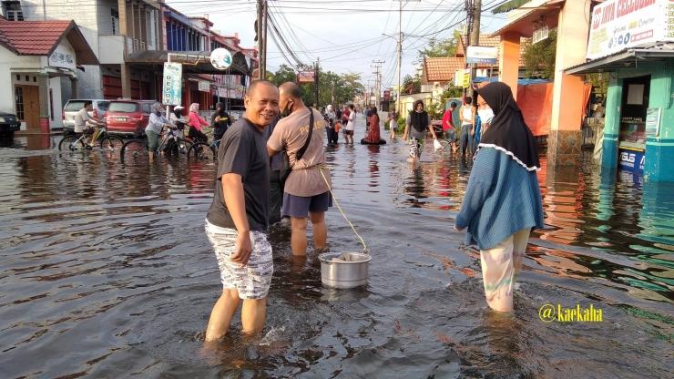 Banjir yang Merendam Kota Banjarmasin   @kaekaha