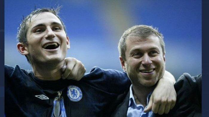 Frank Lampard semasa jadi pemain bersama pemilik Chelsea Roman Abramovich (tribunnews.com)