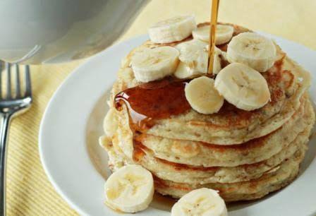 Pancake pisang (Sumber : www.selerasa.com)