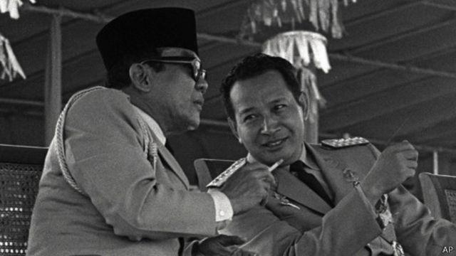 Soekarno dan Soeharto (sumber: bbc.com)
