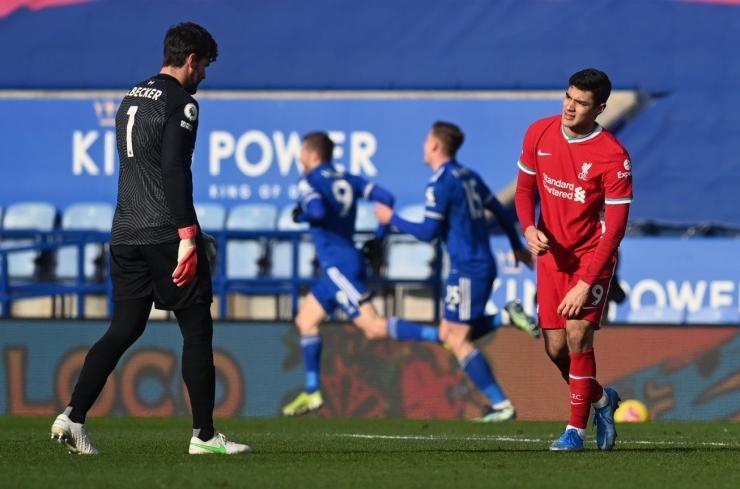 Blunder Allison membuahkan gol kedua Leicester Sumber : Twitter.