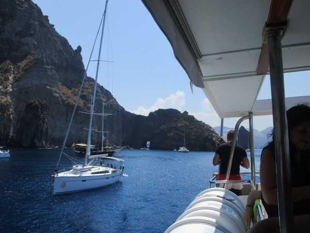 kapal berlabuh di Stromboli (dok pribadi)