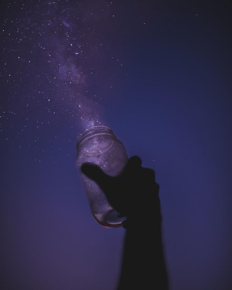 Intuisi anda berbicara lewat mimpi-mimpi berulang anda. (Sumber foto:Javardh on Unsplash)