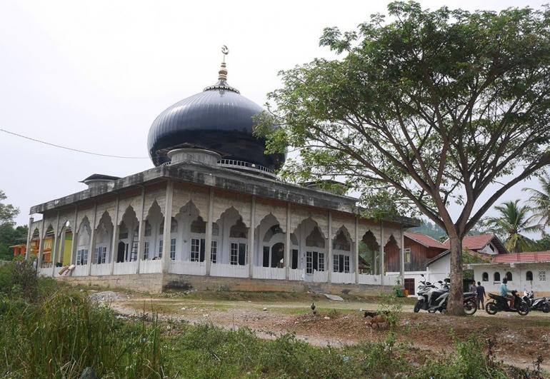 Salah satu masjid di Rikit Gaib, gayo Lues (foto pribadi)