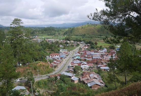 Pemandangan Blangkejeren dari atas bukit (Foto pribadi)
