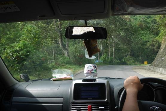Jalan berliku menuju Blangkejeren (Foto pribadi)