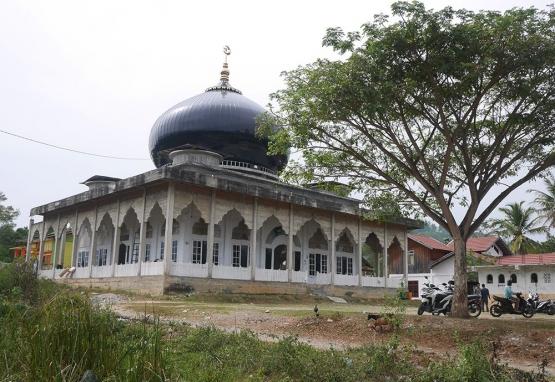 Masjid di Rikit Gaib (Foto pribadi)
