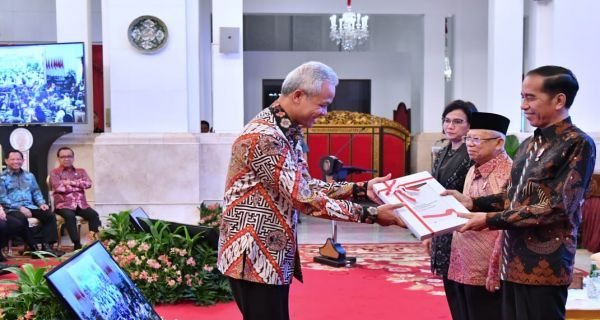 Ganjar Pranowo saat diterima Jokowi di Istana Negara, 14/11/2019 (Foto: BPMI Setpres).