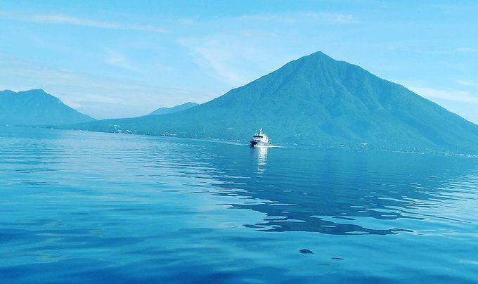 Alam dan laut teduh menyambut Jokowi pagi ini. Foto: Elbonsolor via Twitter