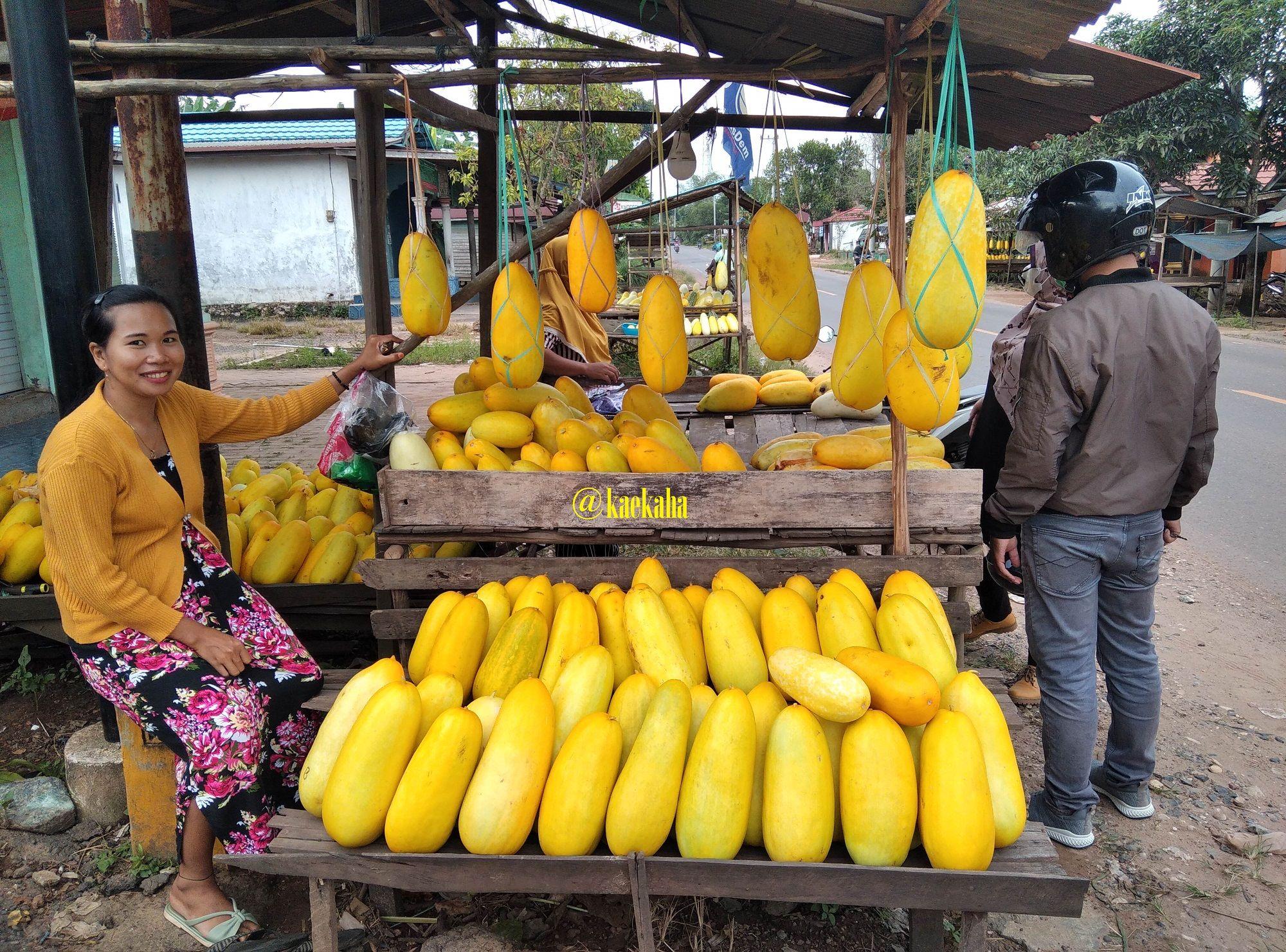 Pedagang Belungka Batu di Bati-Bati, Tanah Laut, Kalsel   @kaekaha